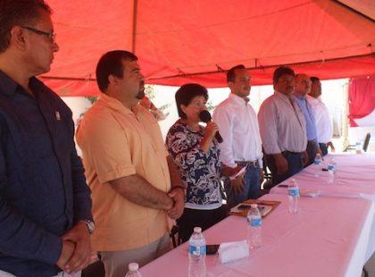 Foro 3-La inauguaración estuvo a cargo de la Alcaldesa Cecilia López González, acompañada por el Subsecretario de Medio Ambiente, Rodrigo de los Rios Luna.