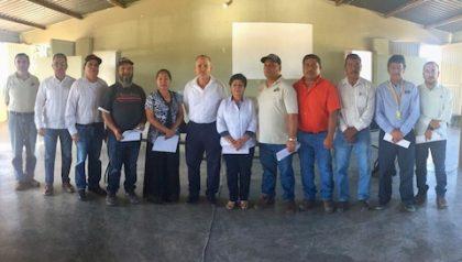Foto 2- Representantes de los ejidos por donde pasará la ruta de la Baja 1000