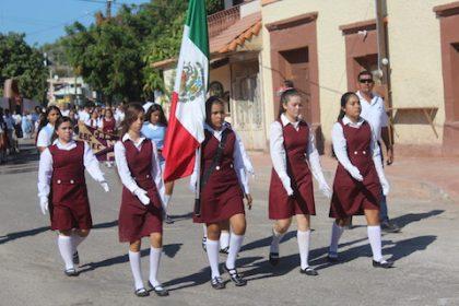 Foto 3-Desfile Civico Militar