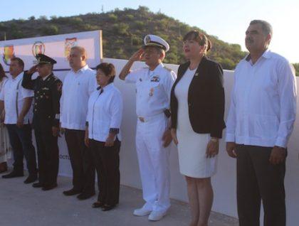 Foto 4-Homenaje a Defensores Plaza Soberanía