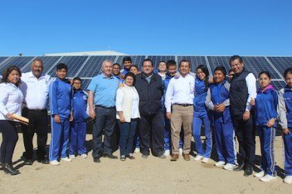 Foto 2-Entrega de Sistema Solar Fotovoltaico en la Cooperativa Progreso en La Bocana