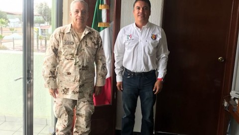 Comandante-de-la-XL-Zona-y-Dip-Joel-Vargas-Aguiar-620x350